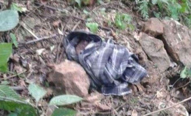 Joven mujer entierra vivo a su hijo recién nacido en Veracruz