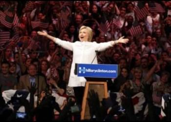Supera Clinton a Trump por siete puntos 4