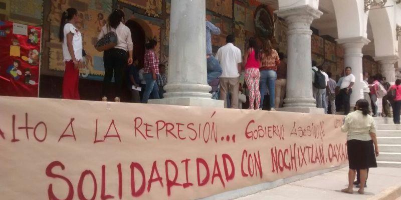 Toman Ayuntamiento de Tlapa contra represión en Oaxaca