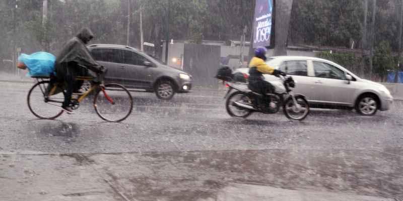 Ondas tropicales 27 y 28 provocan lluvias en el país