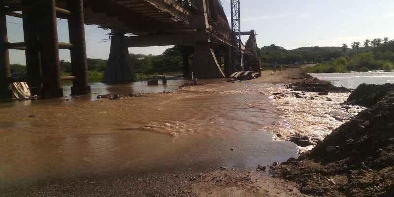 Cierre temporal del puente Lomas de Chapultepec en Acapulco