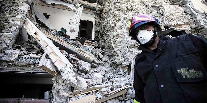 Decretan emergencia en Italia; suman 250 muertos por sismos