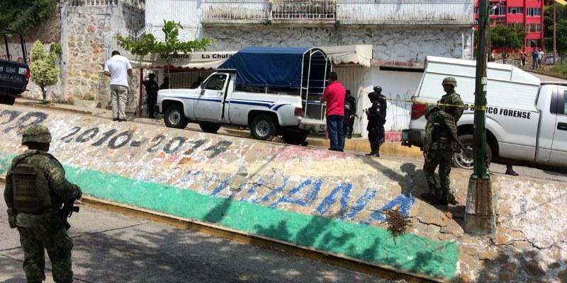 Matan de tres disparos a transportista en Acapulco