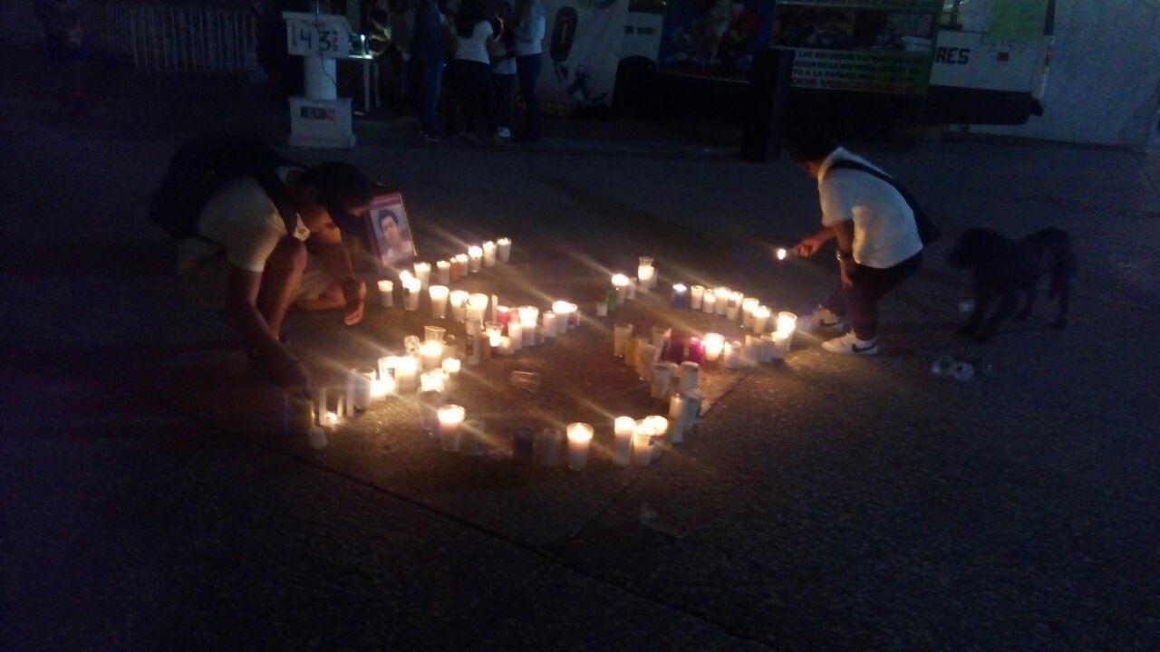 """¡Nos faltan 43!"", reclama Funpeg en Chilpancingo"