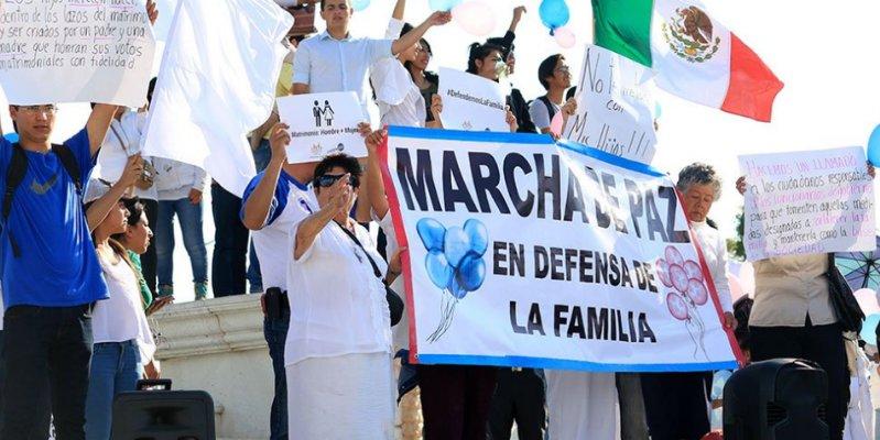 """""""Armar lio"""" en México contra bodas gay, pidió el Papa Francisco"""