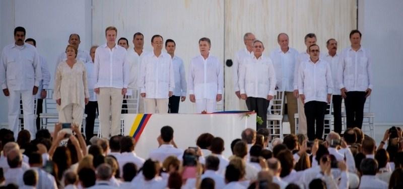 Colombia dice adiós a 52 años de guerra y casi 300 mil muertes