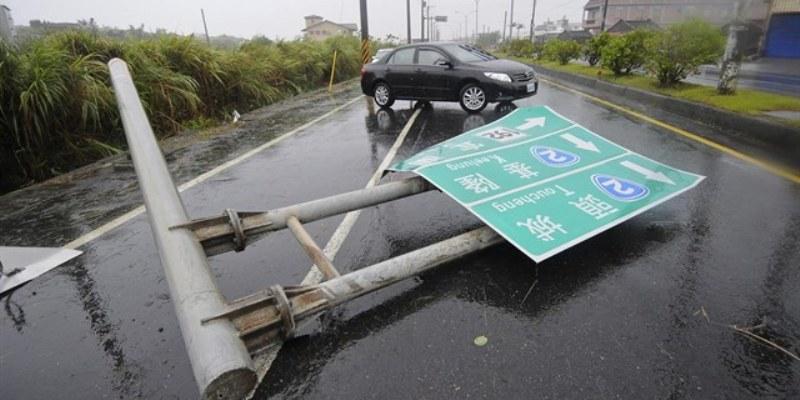 Tifón en Taiwán deja sin electricidad a 117 mil hogares