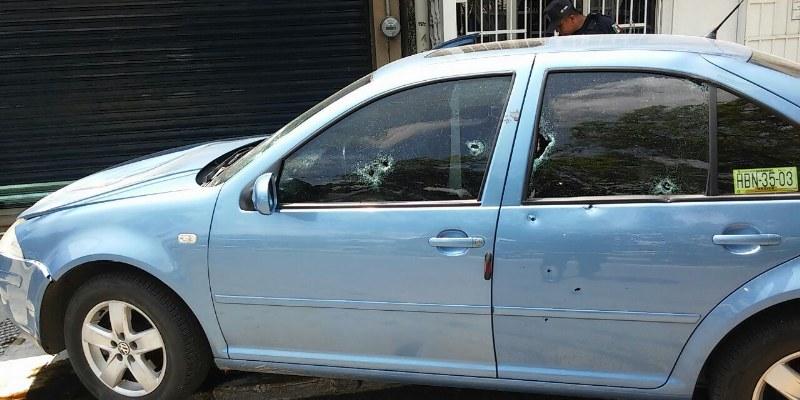 Matan a mujer dentro de su vehículo en Zihuatanejo