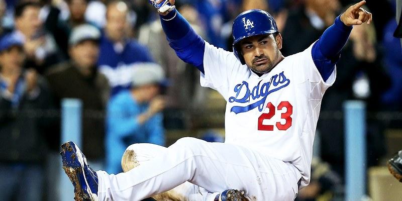 Anota carrera González en triunfo de Dodgers