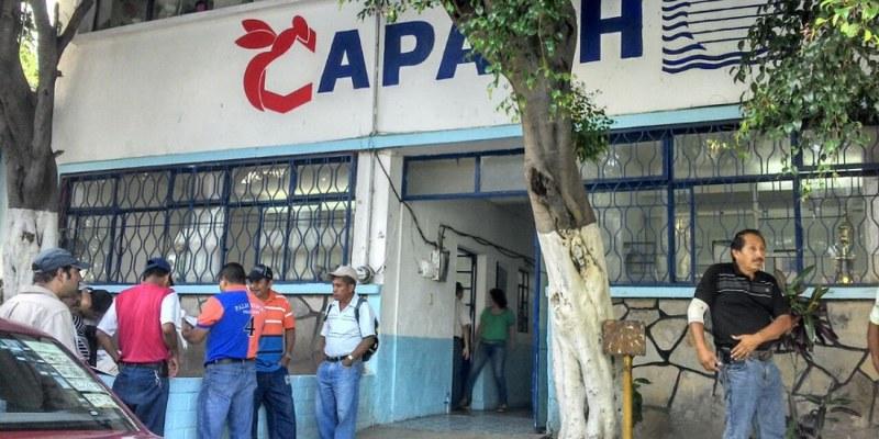 Vecinos de Mochitlán toman Capach por incumplimientos de Leyva