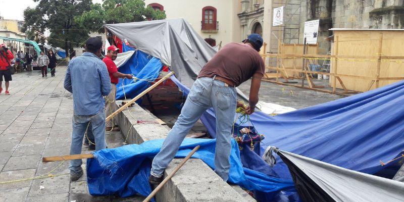 Reduce CNTE plantón en centro histórico de Oaxaca
