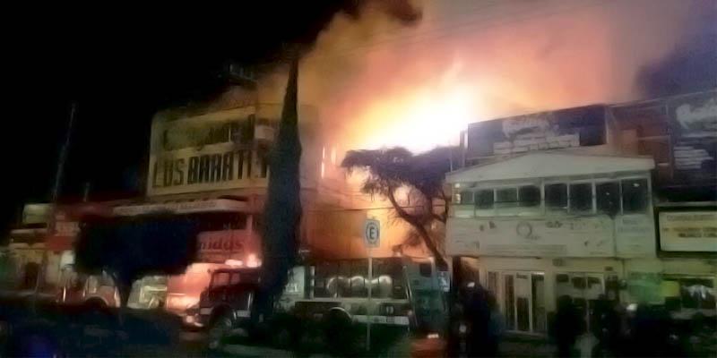 Tres bomberos lesionados deja incendio en Chilpancingo