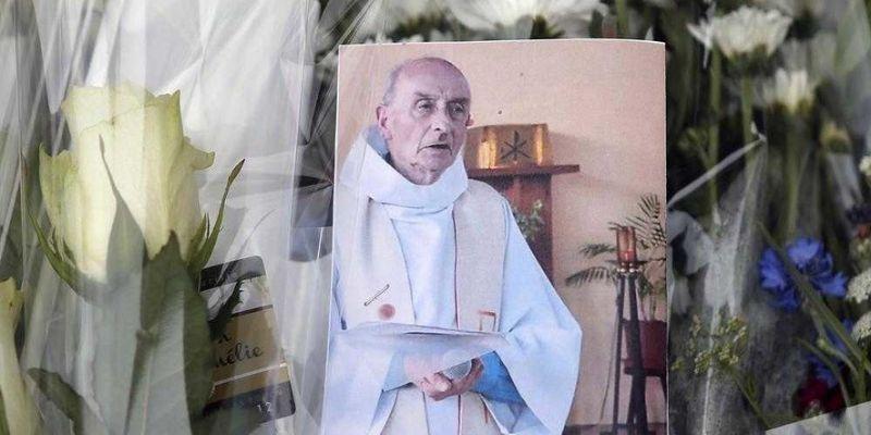 Papa hará misa para sacerdote degollado por terroristas