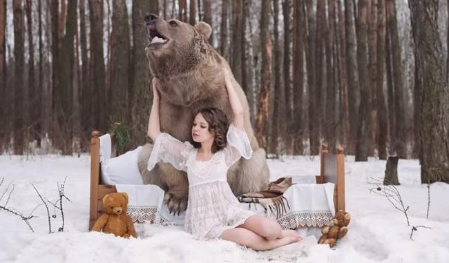 modelos con un oso 2