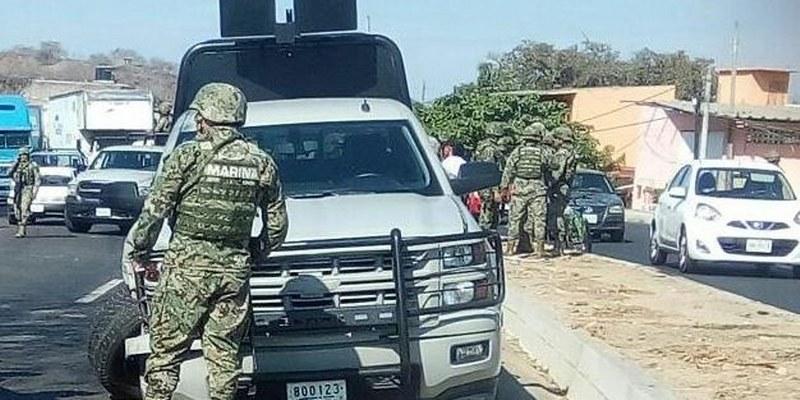 Chocan Marinos y comunitarios en Guerrero