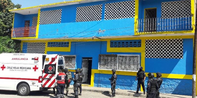 Raptan a hombre tras dejar a su hijo en escuela de Acapulco