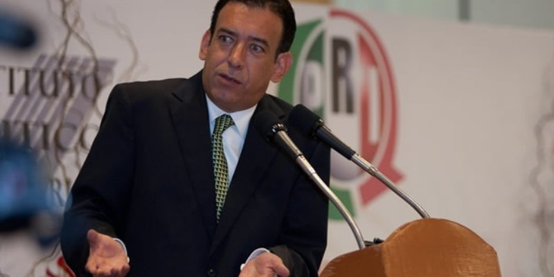 PRI expulsa a Moreira y a otros dos funcionarios