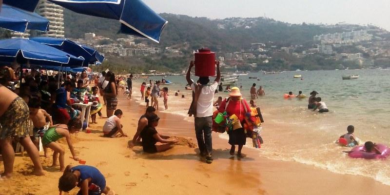 No hay suficientes salvavidas en Acapulco, reclaman turistas