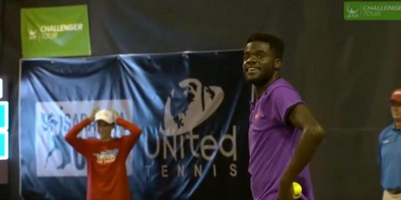 Detienen partido de tenis por ¡gemidos sexuales! [VIDEO]