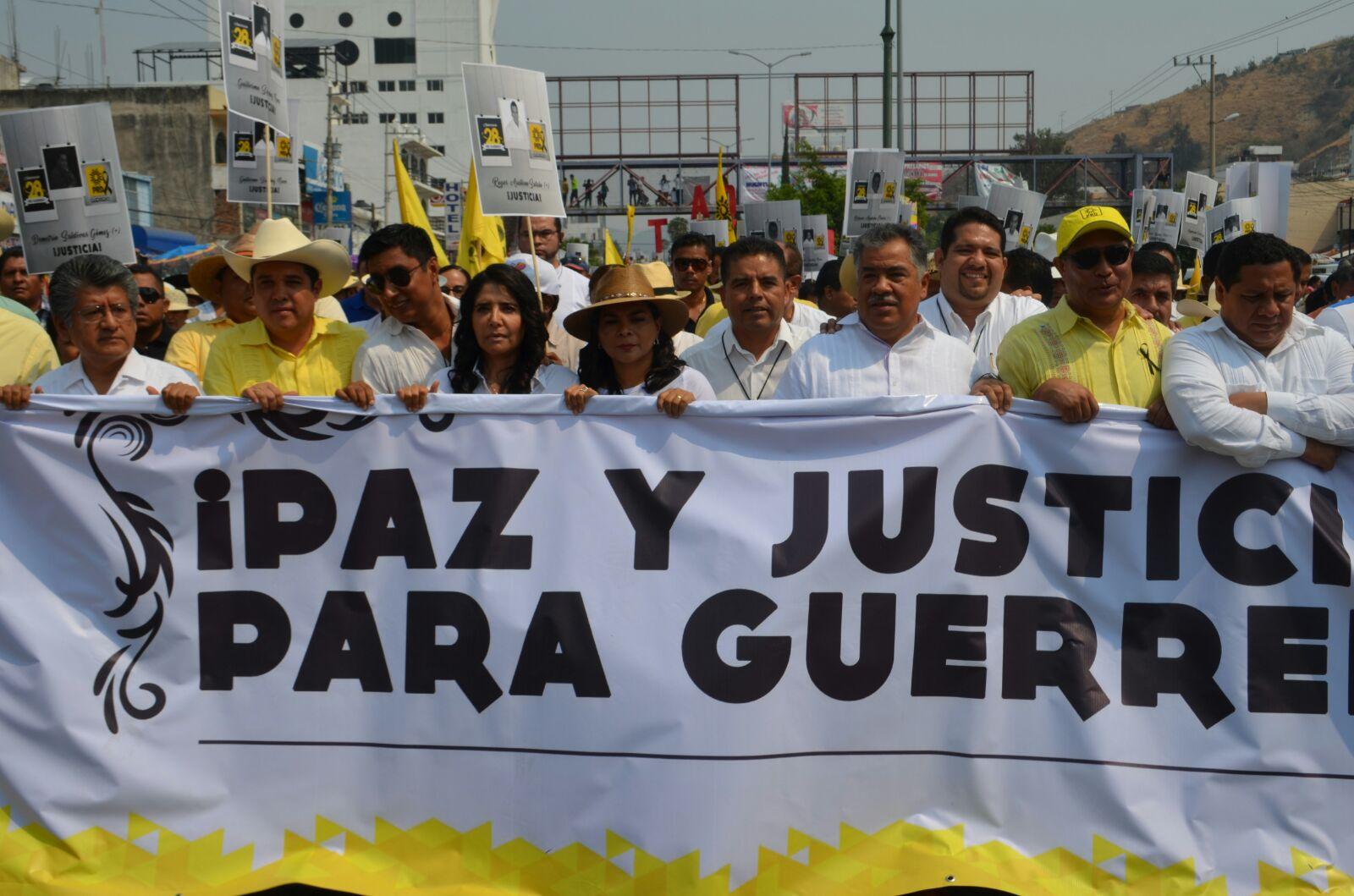 """Convierte PRD marcha """"por la paz"""" en acto político 2"""