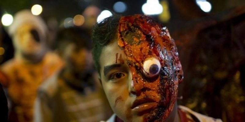 Zombies invaden la CDMX en apoyo a damnificados