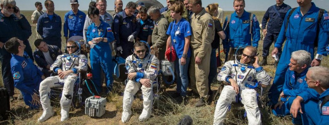 Tres astronautas regresan de estación espacial: TV NASA
