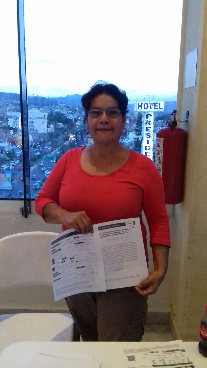 Profesora y activista registra candidatura por Morena para Acapulco 1