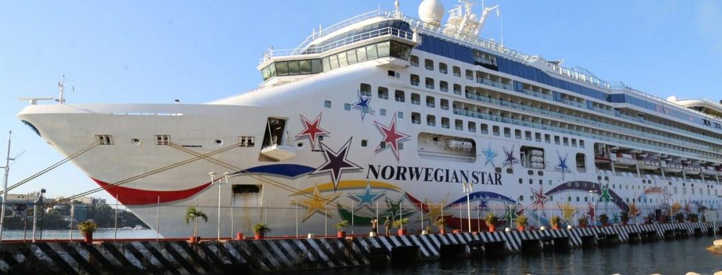 Llega a Acapulco crucero con más de 3 mil personas a bordo