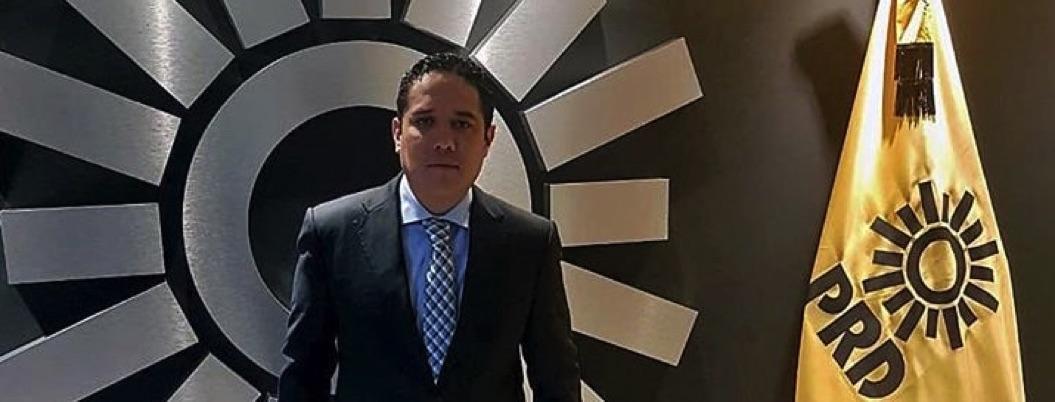 Evodio Velázquez recula; no saldrá del PRD, anunció