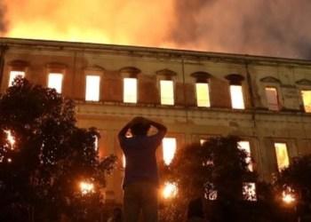 Buscan piezas entre las cenizas del Museo Nacional de Río de Janeiro 1