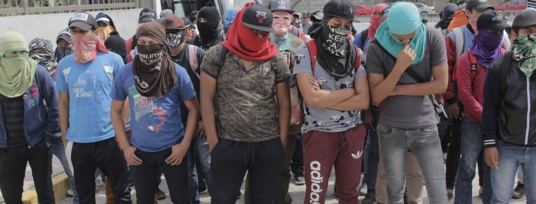 Exigen a Fiscalía de Guerrero presentar videos sobre caso Iguala