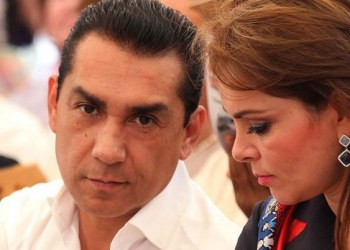 Esposa de Abarca, ex alcalde de Iguala, podría quedar libre esta semana 7