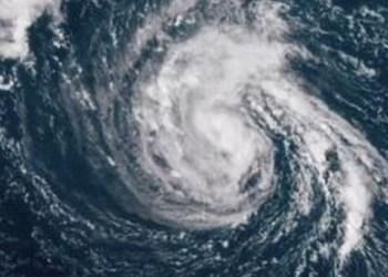 Tormenta Michel pone en alerta a la costa de Florida 6