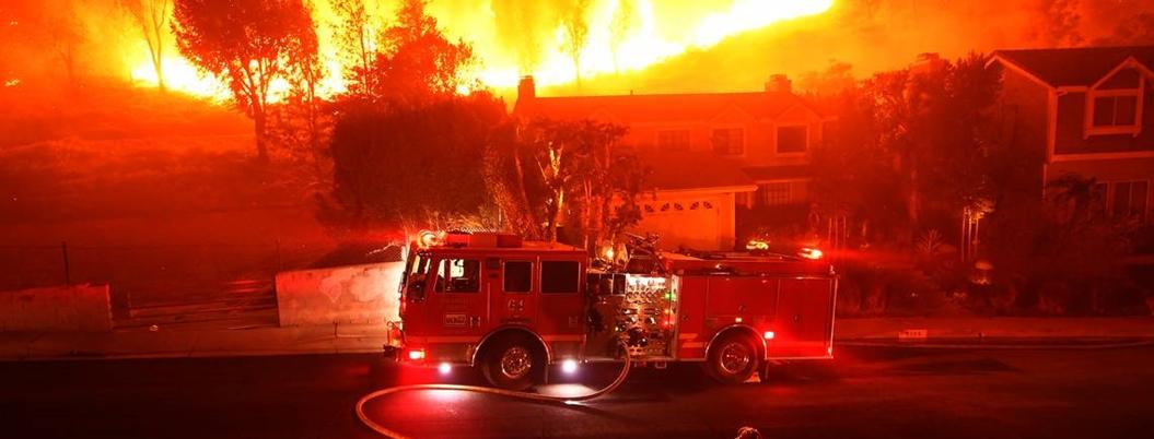 Registran 74 muertos y más de mil desaparecidos por incendio en California