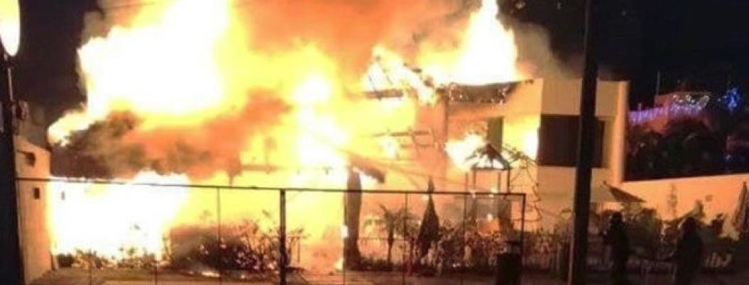 Restaurante en Acapulco Diamante arde en llamas