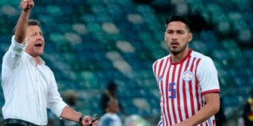 Osorio debuta con Paraguay con empate contra Sudáfrica 7