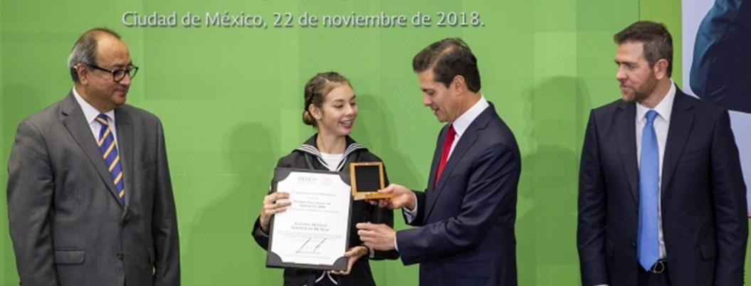 Peña se despide y llama a mexicanos no rendirse ante adversidades