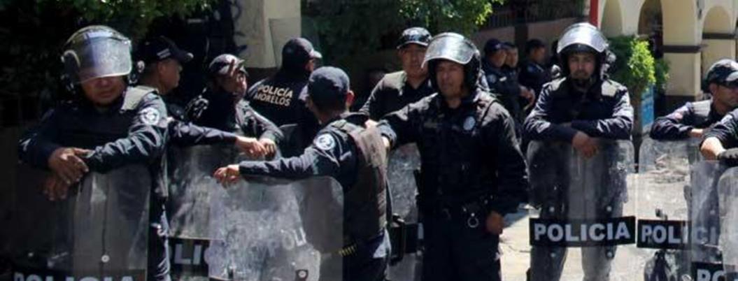 Asaltan y golpean a dos policías estatales en Temixco, Morelos