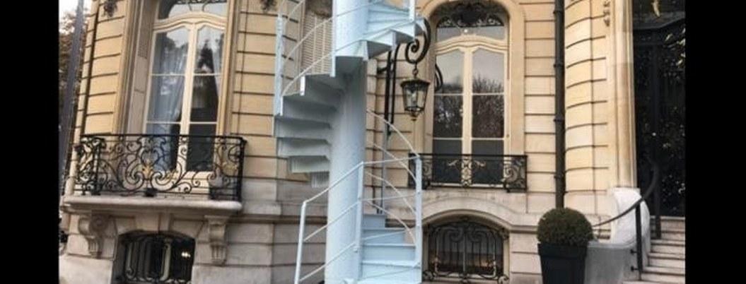 Subastarán primeras escaleras de la Torre Eiffel por 169 mil euros