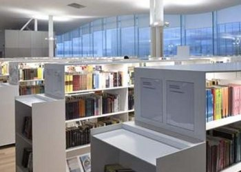 Biblioteca ultramoderna de Finlandia permitirte el ruido y tiene robots 1