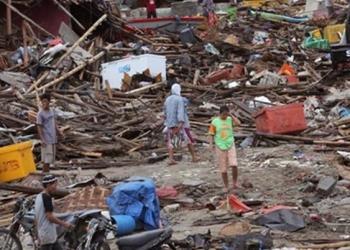 Nuevo sismo de 6.1 grados golpea a Indonesia 10