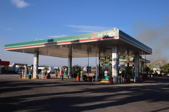 Chilangos provocan escasez de gasolina en Morelos (video) 3