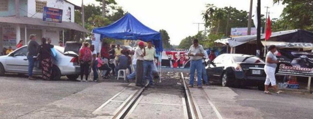 Maestros no acuden a citatorio de Fiscalía por bloqueo a vías del tren
