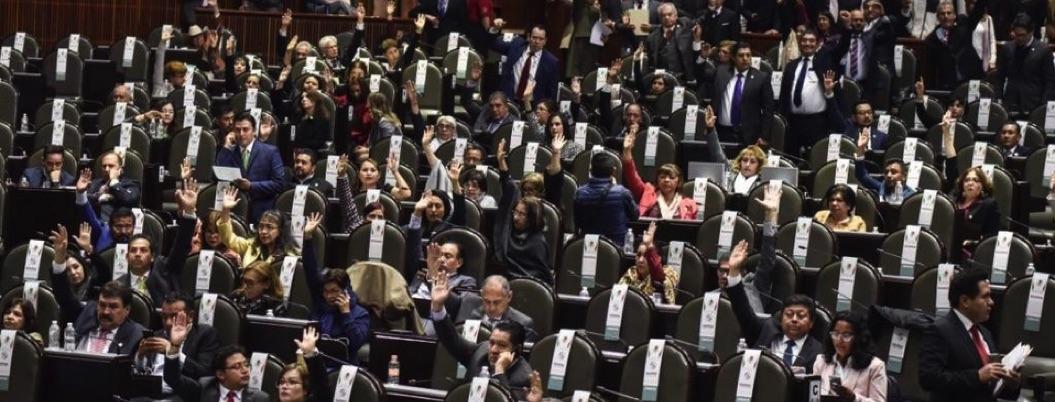 Diputados tendrán pavo y vales de despensa a pesar de austeridad