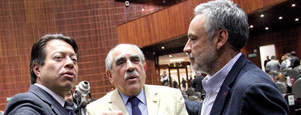Morena cabildea para aprobar recorte de 50% a partidos políticos