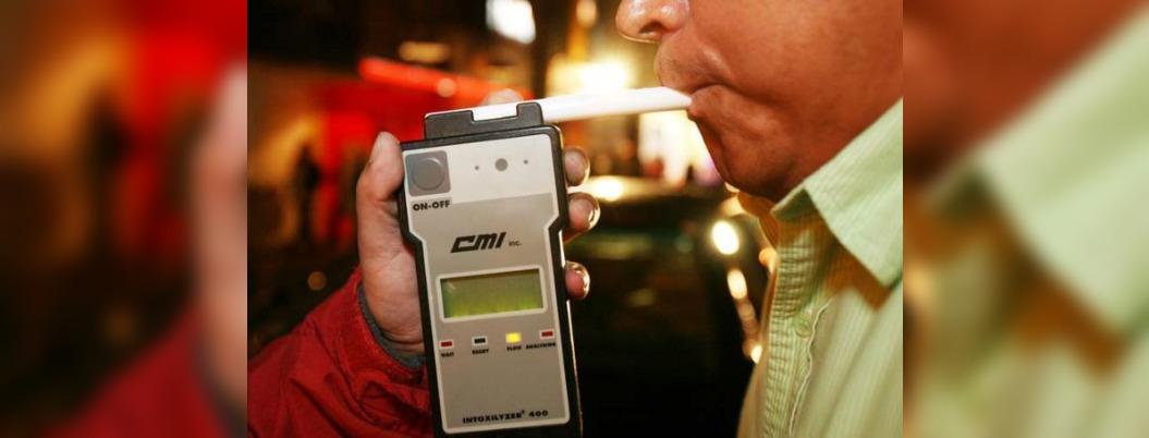 Busca evadir el alcoholímetro y atropella a policía en CDMX