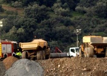 Rescatistas excavan más de la mitad de pozo en busca de bebé en Málaga 1