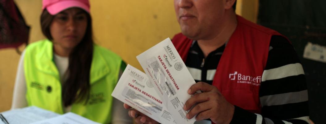 Bansefi ya entrega las tarjetas del Bienestar del gobierno de AMLO