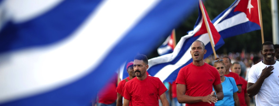 Cubanos votan sí; van por nueva constitución comunista