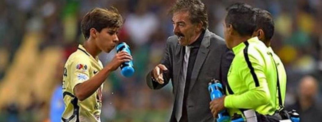 """""""Que sea el primero de muchos"""": La Volpe felicita a Lainez por su gol"""